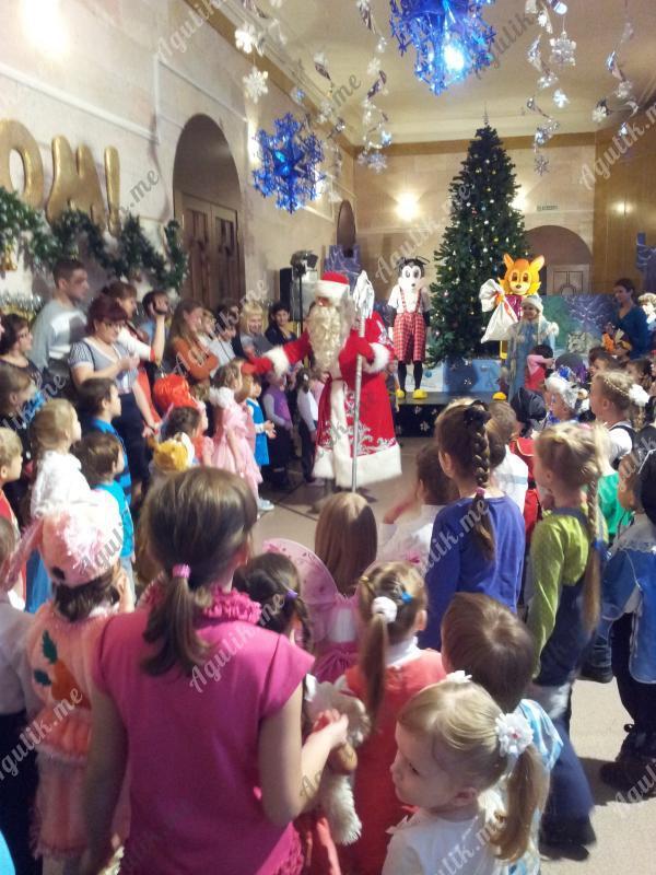 Новогодний праздник. Кукольный театр