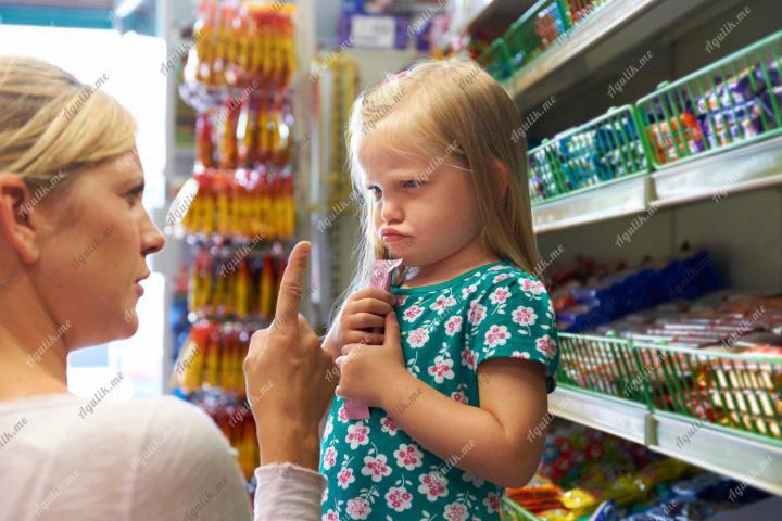 Ребенок просит купить